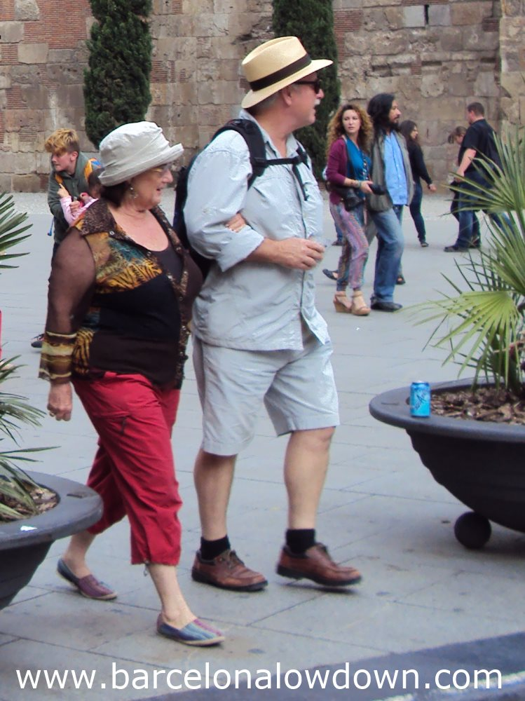 Put Away Clothes In Spanish ~ What to wear in barcelona may lowdown
