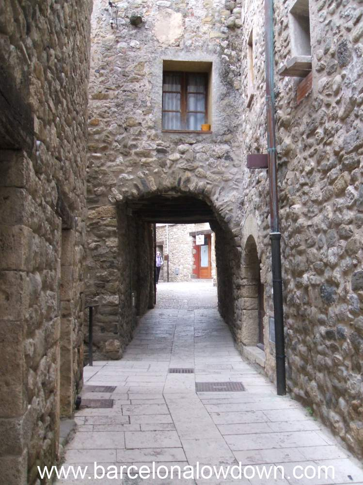 Typically narrow streets in Besalú